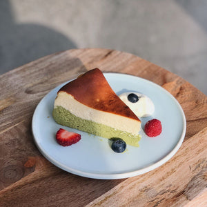 MATCHA CHEESE CAKE WITH ICE CREAM