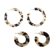 Load image into Gallery viewer, Front view of our Blonde Tortoise Chunky Hoops