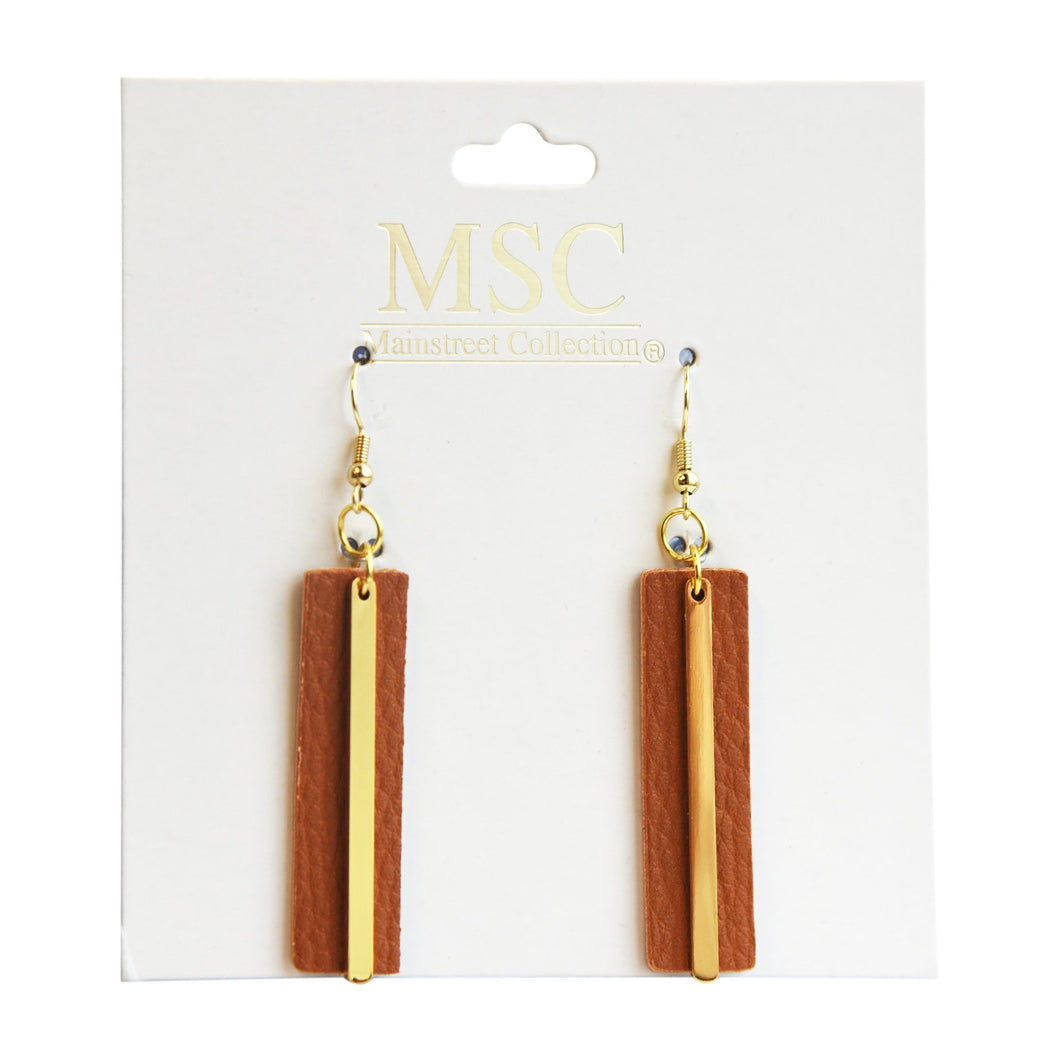 Top view of our Camel Pebble Grain Accent Earrings