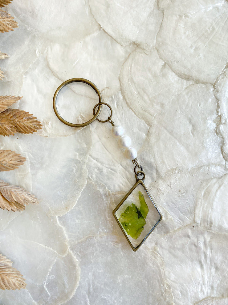 Brass Diamond Resin Keychain with Pearls - Ulva