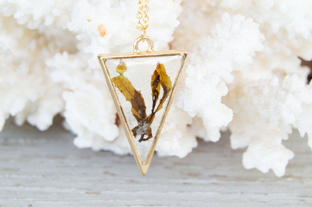 "30"" Framed Triangle Dainty Pendant Necklace"