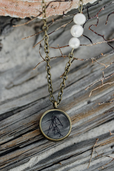 "30"" Framed Circle Pendant Necklace"