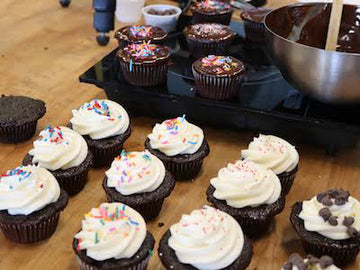 Parent/Child Cupcakes - Saturday November 28th (Price includes 1 parent and 1 child)