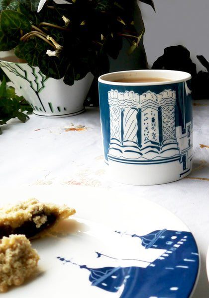 Hampton Court Chimneys mug - Snowden Flood