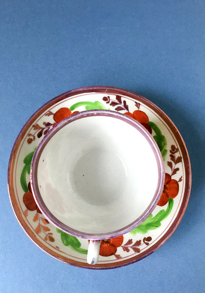Very pretty 18th Century cup and saucer