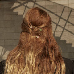 Gold tulip hair clip - Wilhelmina Garcia
