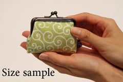 NISHIJIN Silk Coin Case Karakusa Size sample