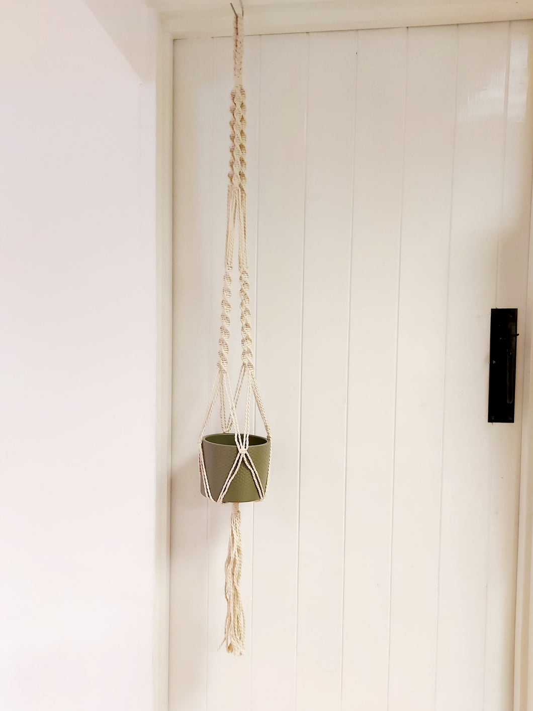 Ready Made Macrame Plant Hanger - Approx 1m long. Suitable for planters up to 19cm wide.