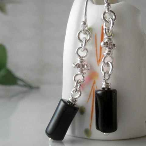 Black agate & knots earrings.