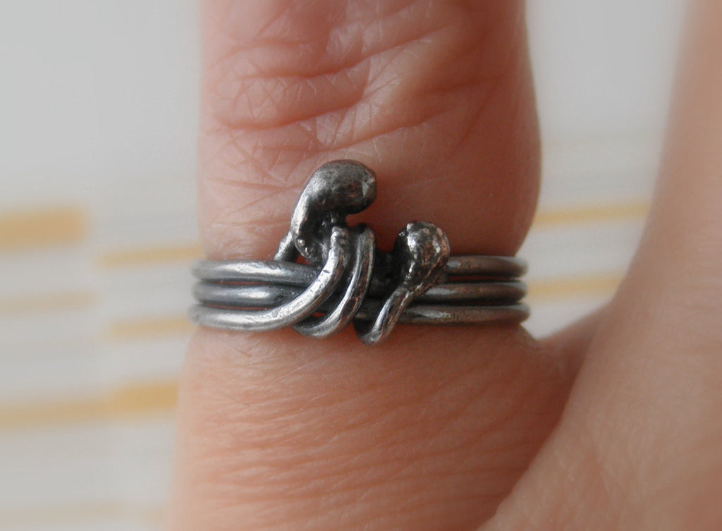 Unico sterling silver rustic ring. Size 3.75