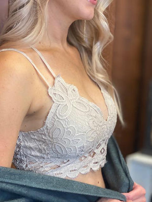 Scalloped Lace Padded Strappy Bralette - Light Taupe