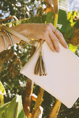 Tourist Wristlet - Golden Pearl
