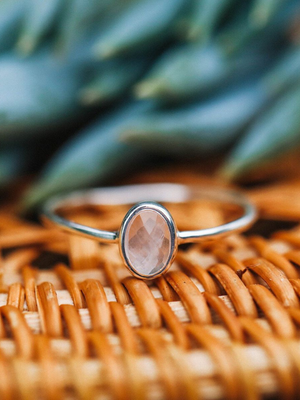 Pura Vida Ring - Oval Rose Quartz