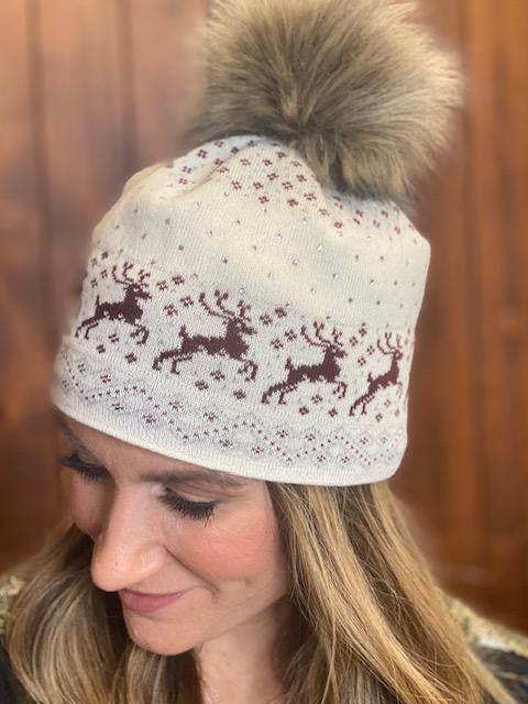 Prancer Winter Hat in Burgundy