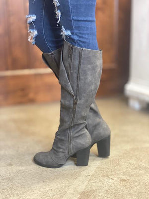 Quincy Boots in Gray