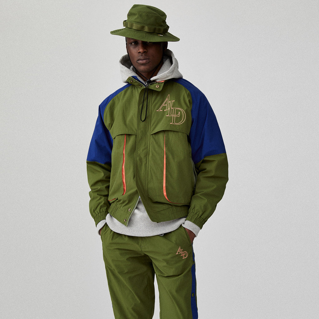 COLOR BLOCKED NYLON WINDBREAKER - OLIVE