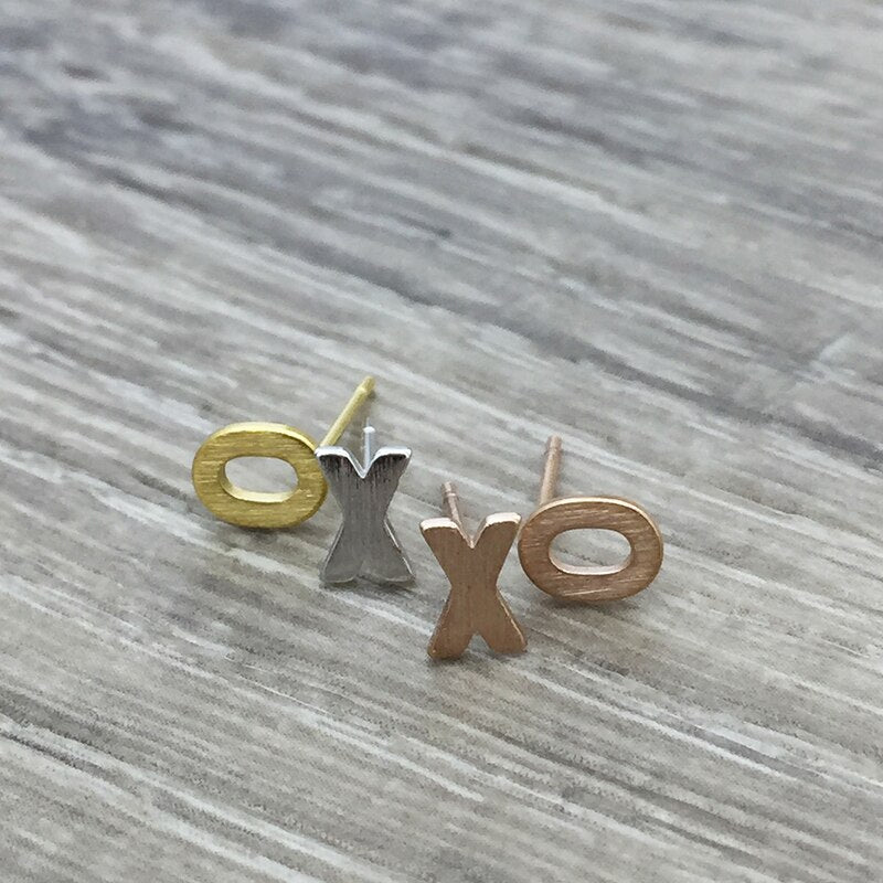XO Earring in Gold