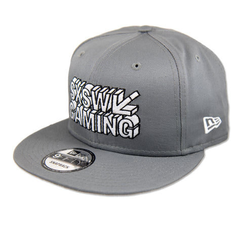GAMING FLAT BILL IN GRAY BY NEW ERA