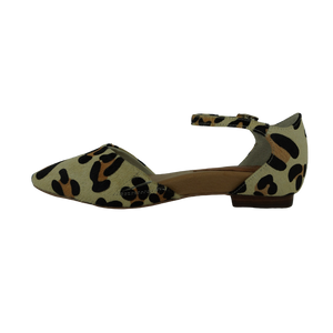 Frankie4 Ainsley Blonde Pinned Black Leopard Flats