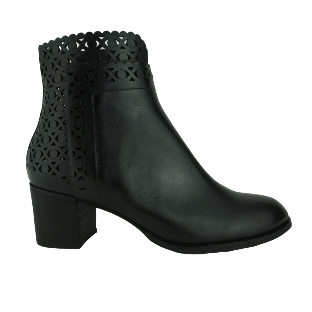 Django & Juliette Sloan Black Tan Leather Ankle Boots