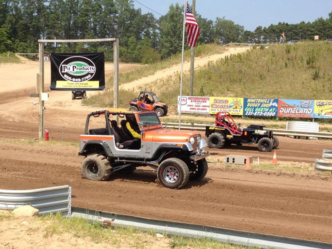 craig from pit products racing his jeep at West Michigan Sand Dragway!