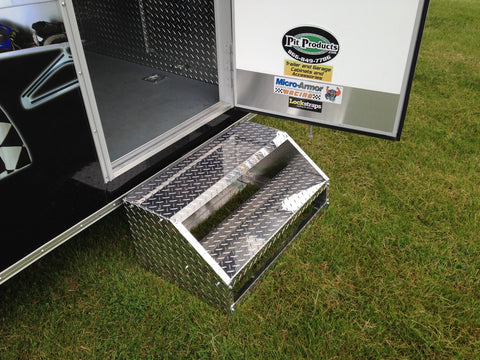 trailer door steps to help walk into and out of the pit products demonstration trailer