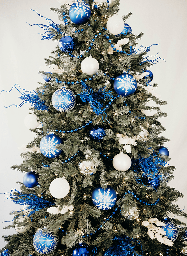Blue and white Christmas tree design