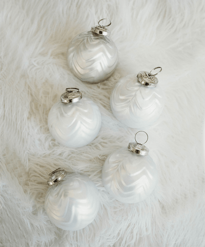 3 in Mercury White Bauble / Silver Top