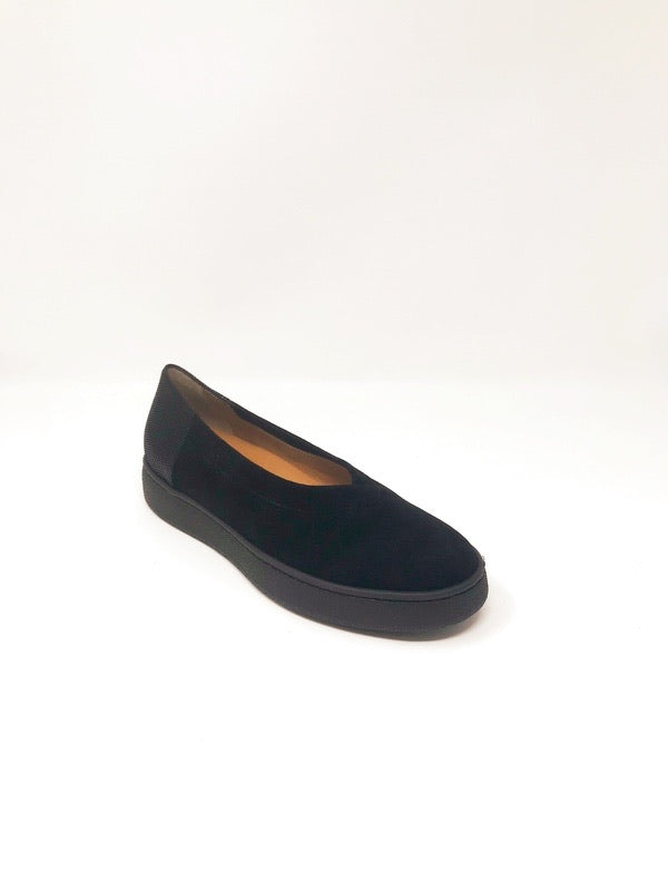 August Suede Black