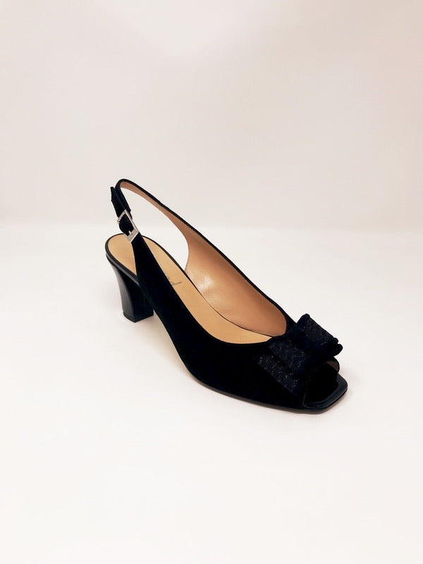 Betty Suede Black