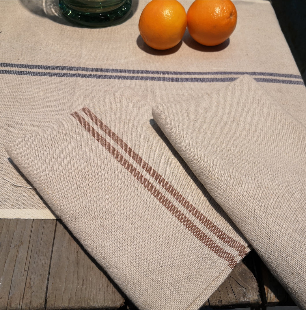 TABLE RUNNER VINTAGE LINEN/COT. NATURAL PKD 2 £10.40 EA.