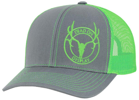 Pacific Headwear Trucker Mesh Baseball Cap - Dead On Display Deer Skull Hat