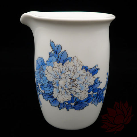 Porcelain Fairness Cup / Cha Hai - Blue Peonies Style - 180ml