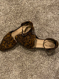 WING LEOPARD FLAT WITH ANKLE STRAP