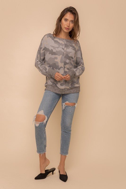 CAMO BOAT NECK TOP