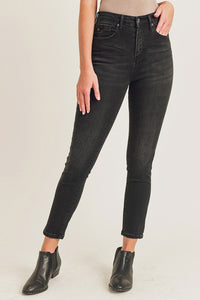 HIGH WAIST BLACK SKINNYS