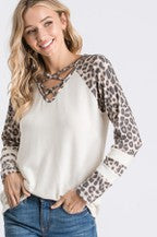 V NECK CRISS CROSS TOP