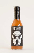 Load image into Gallery viewer, NEWKS Hot Pepper Sauce