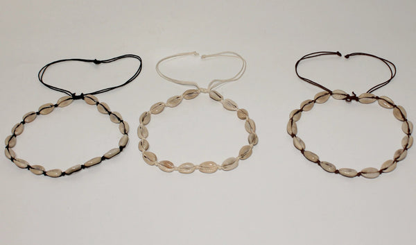 Choker necklace with shell