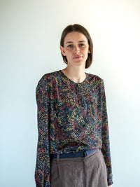 VIOLET / BLOUSE / BLACK FLOWERED