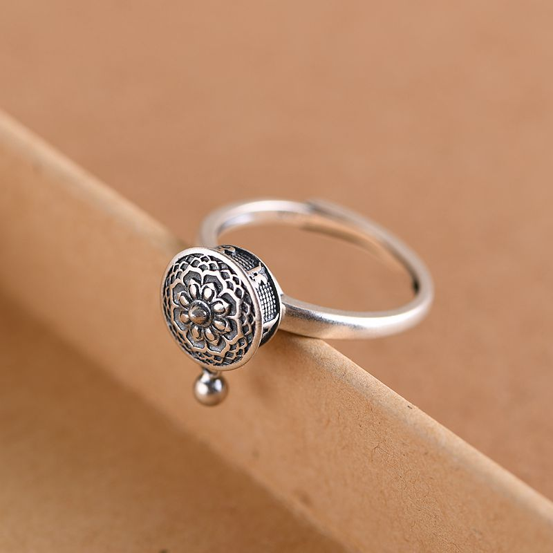SPINNING BUDDHIST MANTRA RING WITH TIBETAN PRAYER ROLL