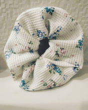 Load image into Gallery viewer, Grandma's Garden Scrunchies