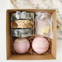 Load image into Gallery viewer, Gift Set: 3 Soap Bars + 2 Bath Bombs + 1 Soap Bag