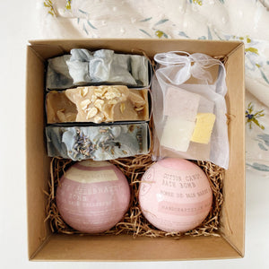 Gift Set: 3 Soap Bars + 2 Bath Bombs + 1 Soap Bag