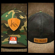 Load image into Gallery viewer, Kühn Snapback & Flexfit Hats