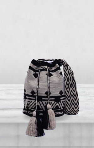 Black and Natura Wayuu Bag