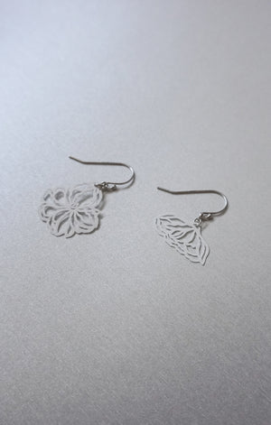 Dainty Floral Mismatched Earrings