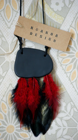 Huru necklace (whero + pango)