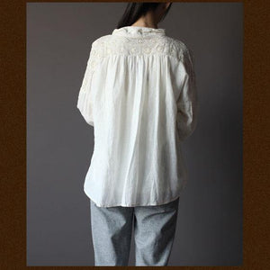 1930s White embroideried women shirt top oversize