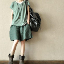 Load image into Gallery viewer, Green women summer linen short pants pockets cotton shorts